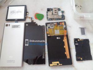 Xiaomi Mi 4 Kırık Ekran